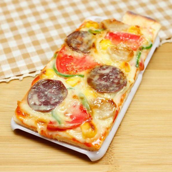 Eine Handyhülle, die in Pizzaoptik zu kaufen ist