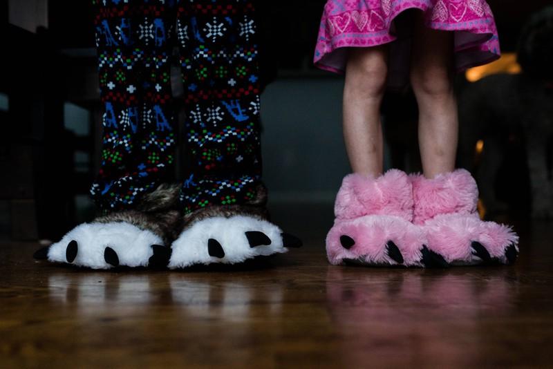 Wie heißt das denn, was man an den Füßen im Haus trägt?