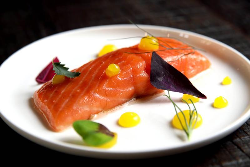 Bei Fischen mit einem hohen Fettanteil kann ein ranziger Beigeschmack entstehen.