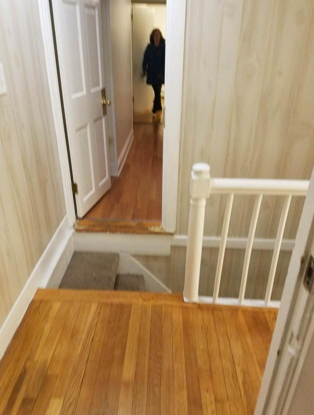 Eine sehr unsicher gebraute Treppe