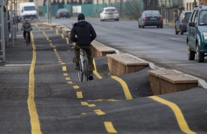 So sieht ein Fahrradweg in Ungarn aus