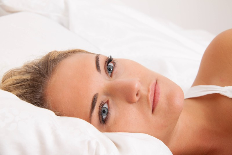 9 Dinge, die dich unterbewusst schlechter schlafen lassen