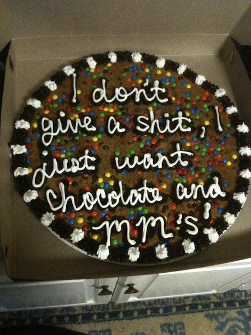 Bei dem Fail hat der Bäcker die Torte auch falsch beschriftet
