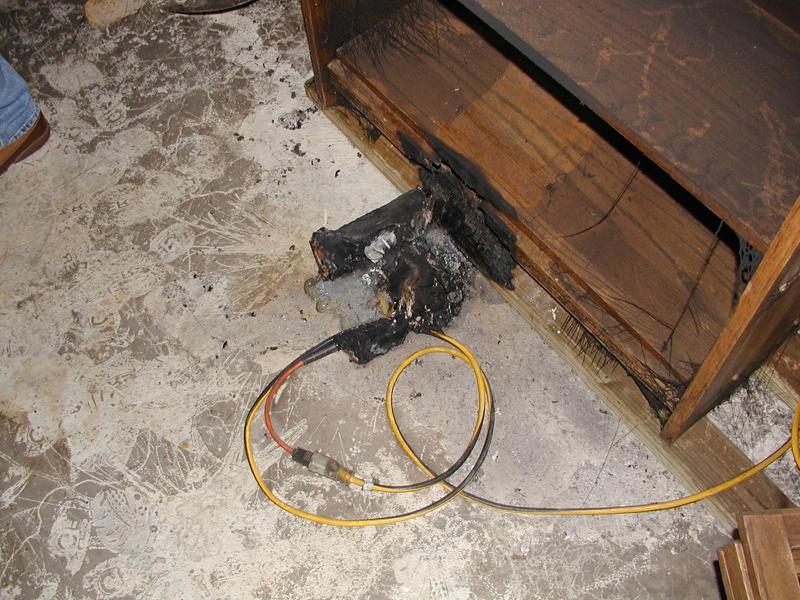 Das Schleifgerät war komplett ausgebrannt.