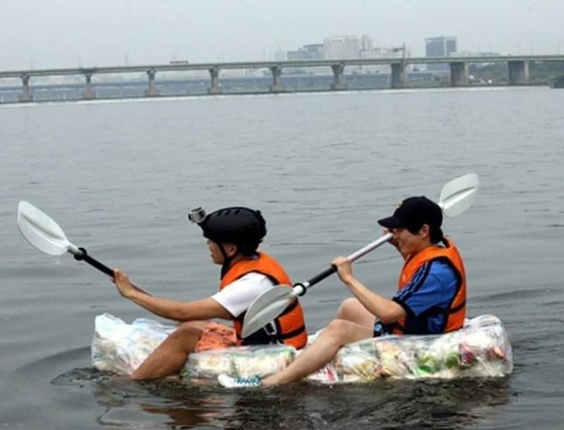 2 koreanische Studierende haben ein irres Boot gebaut
