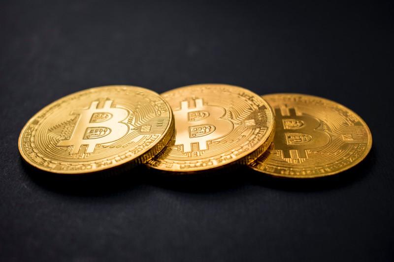Krypto-Einstieg für Dummies: So handelt man Bitcoin & Co!*