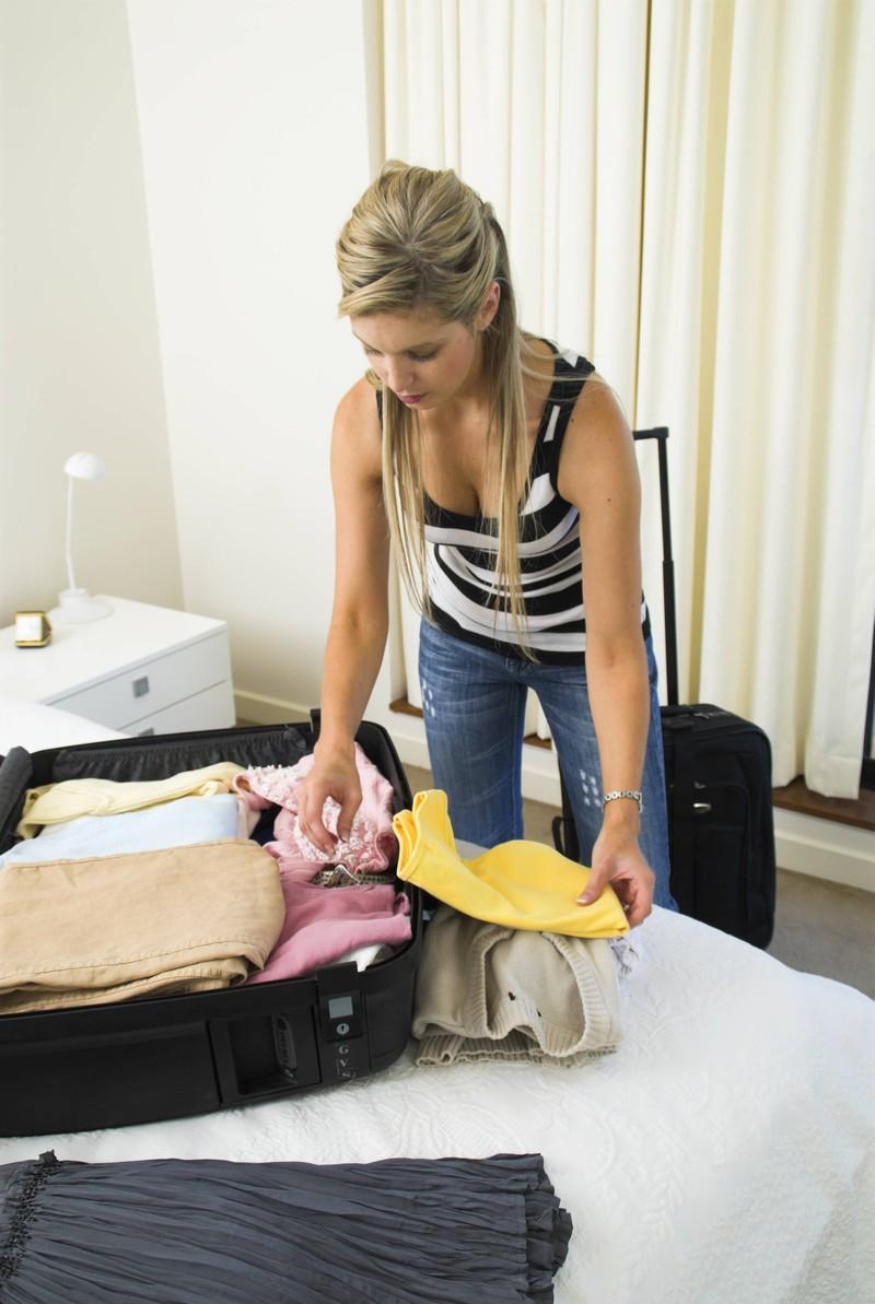Die Frau packte kurz nach dem Ja-Wort ihre Koffer.