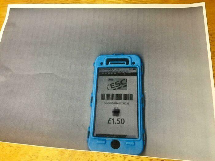 Mann kopiert sein Handy wegen des Gutscheins