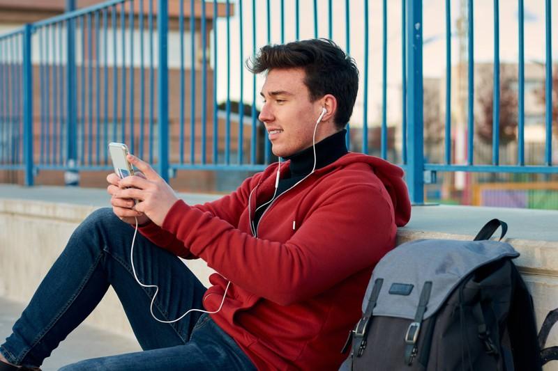 Mit Headphones kannst du auch bei einem Wintersturm telefonieren.