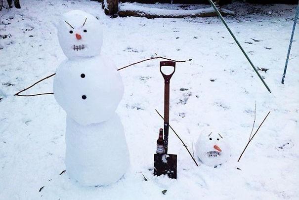 Der Schneemann scheint sehr wütend zu sein