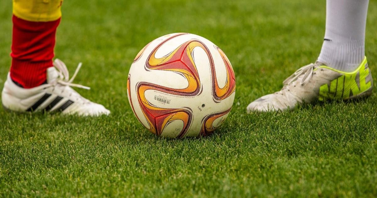 Die ältesten, treuesten und teuersten Fußballspieler*