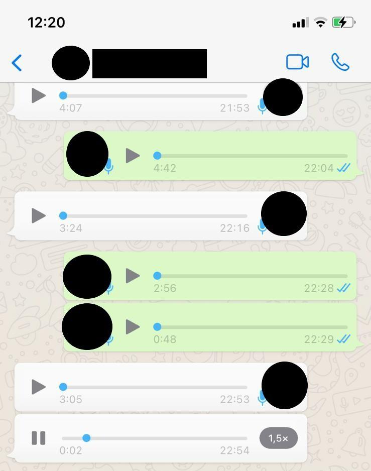 Dass man Sprachnachrichten schneller abspielen kann, gibt es jetzt als Funktion auf WhatsApp