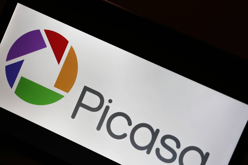 """Das """"Picasa""""-Logo zeigt eine Kamerablende, in der ein Haus versteckt ist"""